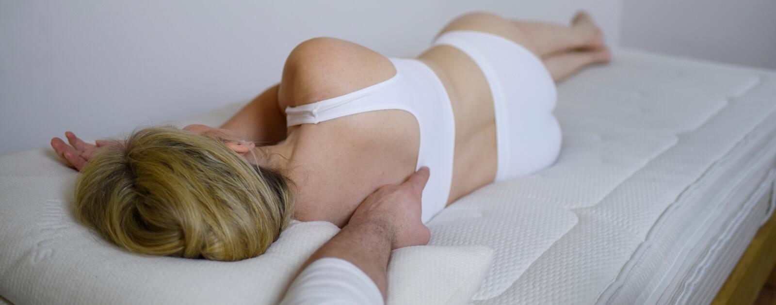 Schulterschmerzen matratze
